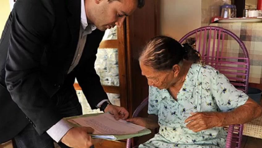 atitude-juiz-vai-ate-casa-de-idosa-de-100-anos-para-dar-ela-o-direito-de-se-aposentar